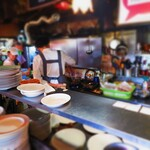 トキオプラージュ・ルナティック  - 慌ただしい厨房は、海外の食堂のようですね~♪