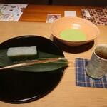 紫野和久傳 - 雪の灯とお抹茶とほうじ茶