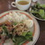 小さな街の食堂 cafe MISTY - 豆苗と鶏のネギ塩炒め 890円