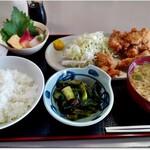 むつごろう - 料理写真:かきフライ定食 小鉢が色々と