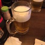 やきとり○金 - まずは生ビールで乾杯