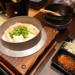サーモンベーネ 鮭寮 - 鮭ハラスの炊き込みご飯