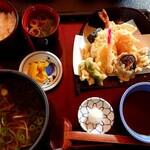 124643058 - 天ぷら定食(2550円税別)