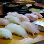 惣四郎 - 料理写真:左上から右上へ カンパチ、スズキ、コショウダイ、アンコウ  左下から右下へ ヤガラ、マトウダイ、コチ、タチウオ