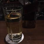 バー ゴヤ - ジョニーウォーカーのレッドラベル。黒に比べてまろやかというか優しいというか