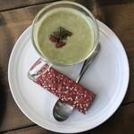 OSAMPO BASE - ブロッコリーのスープ