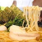 家系ラーメン 町田商店 - 麺が以前よりも短くなった気がするけど気のせい?^^;
