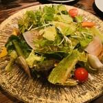 MOZU - 彩野菜のガーデンサラダ 890円