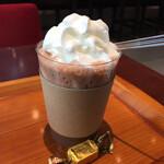 メリーズ カフェ - ホットチョコレートとチョコレート