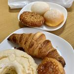 レピコロレ - 料理写真:パン達