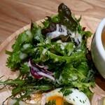 カフェ ブルー - サラダ