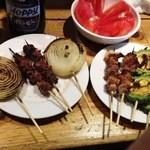 てっちゃん - 2012/04 トマト・ゴーヤ・玉ねぎ・豚なんこつ・ハツモト(鶏)