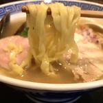 124671231 - 平打ちの太麺