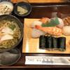 鮨所 もり口 - 料理写真:寿司ネタは新鮮で美味やけど٩( ᐛ )و