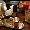 らーめん こてつ - 料理写真:テーブルの調味料類