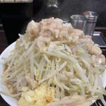 虎丸 - ミニらーめん750円 アブラマシマシ野菜大蒜タマネギ