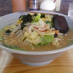 三七三 - 料理写真:味噌らーめん 750円
