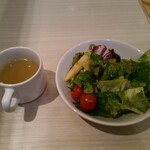 カプリチョーザピッツァ&ビュッフェ - ビュッフェよりサラダとスープ