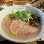 餃子ノあん GYOZA RESTAURANT&BAR - 鶏出汁ラーメン