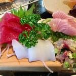 大浜丸 魚力 - マグロ、イカ、鯵のタタキ、ワラサ