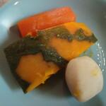 湯の泉 東名厚木健康センター - 煮物盛り合わせ。あとこんにゃくさやえんどう筍があった