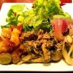 マリブ食堂 - サラダとタパス3種