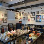 ギャラリーカフェ ルーシー - 二階のギャラリー