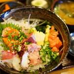 旬食・おそば なごみ - 料理写真:海鮮丼のランチ (¥1,090)