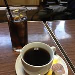 サンバーガー - ホットコーヒーとコーラ