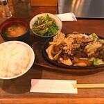 Tomiya - ・モーモー鉄板焼き(大) 1100円