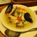 新鮮魚介・浜焼きとワインのお店 Fish Market - いろいろ魚のアクアパッツア
