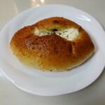 ブランジェリーゼ - チーズキーマカレー(300円)