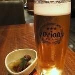轟屋 - オリオン生 ¥600(税抜) / 突き出し(ふきとタコ) ¥200(税抜)