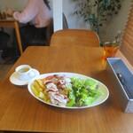 ブライト - チキンオーバーライスと味噌スープ