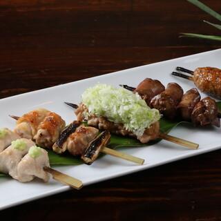 大山鶏を使用したこだわりの焼き鳥☆地元野菜のサラダも美味