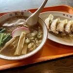 樺太屋 - 料理写真:「中華そば」+「ギョーザ』