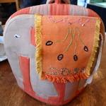 ティーハウス ムジカ - ケーキセットの紅茶はティー・コージーで保温されたポットで提供