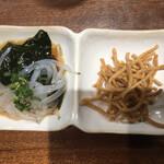日本酒と蕎麦 中野いざ宵 - シラウオと揚げそば(お通し)