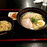 中華料理 和 - 料理写真:やきめしと塩ラーメンのセットメニュー 950円