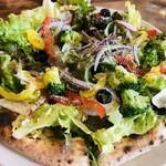 ガレリア - えびマヨとサラダのピザ
