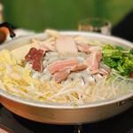 NARI屋 - ムーガタ(豚 浅鍋)