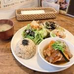玄米カフェ 実身美  - 日替り健康ごはん 900円