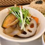 玄米カフェ 実身美  - あげ赤魚とお野菜のきのこあんかけ