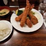 Kicchinchekku - エビ・カキフライセット。