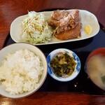 鶏の白石 - 唐揚げぶつ切り定食 ¥650