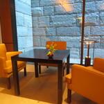 ザ リビングルーム - テーブル席