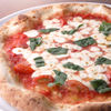 和伊の介 - 料理写真:ピッツァマルゲリータ【1,200円+税】 町で人気のピザ職人がマルゲリータ王妃に献上したナポリ伝統のピッツア
