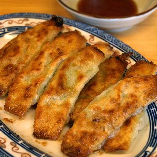 ぎょうざ 松龍軒 - 料理写真:ぎょうざ