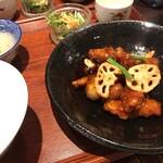 chuukashunsaimorimoto - 黒酢酢豚のランチです。税込1,100円。