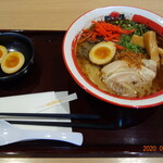 那の福 - 料理写真:黒とんこつラーメン、煮たまご